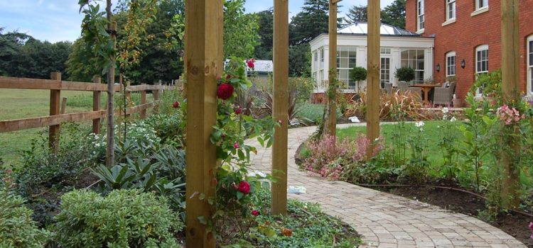 Country Garden – with a relaxed mix of traditional and contemporary elements