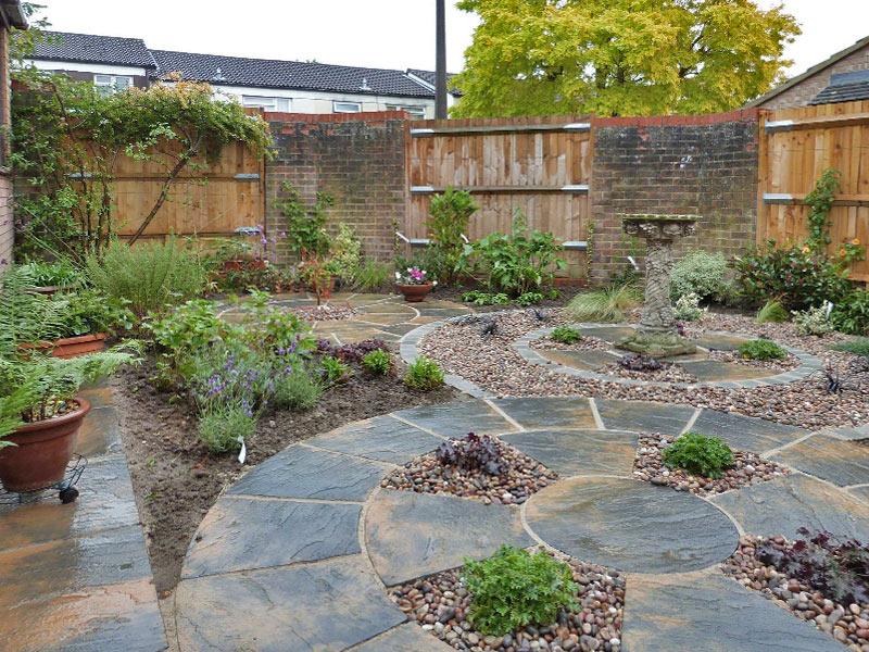Small garden with interlocking circular features