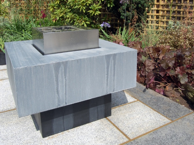 Recycling Water Feature modern Cubic Design
